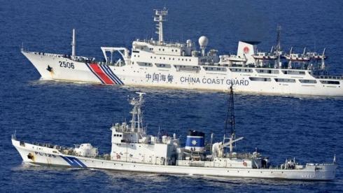 中国海警局の船2隻