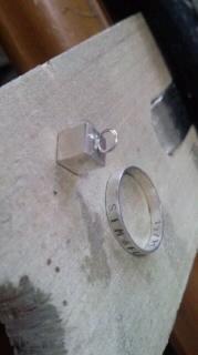 キューブと指輪
