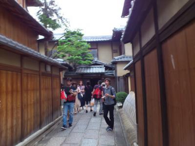 京都の街並みを堪能するDaryl