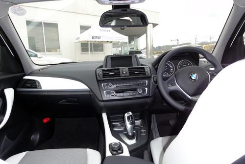 BMW120i内装