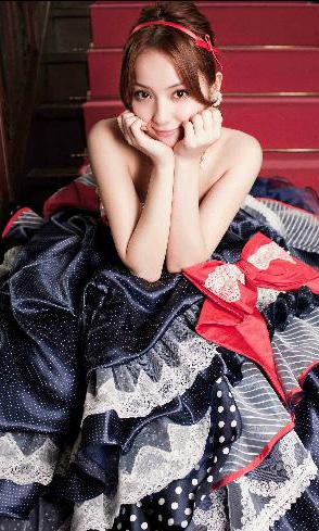 佐々木希 ドレス