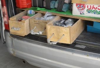 201410 電気工事屋さんの道具箱 取っ手は電線