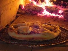 炭焼きピザ
