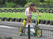 トランポリンの要領でこぐ自転車