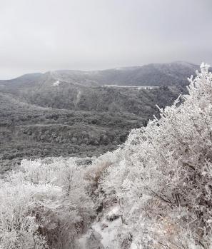 甑岳 086