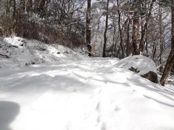 甑岳 105