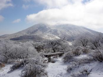 甑岳 173