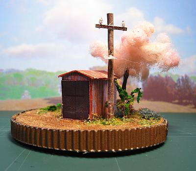 町はずれのポンプ小屋と一本桜ペーパークラフトジオラマ01