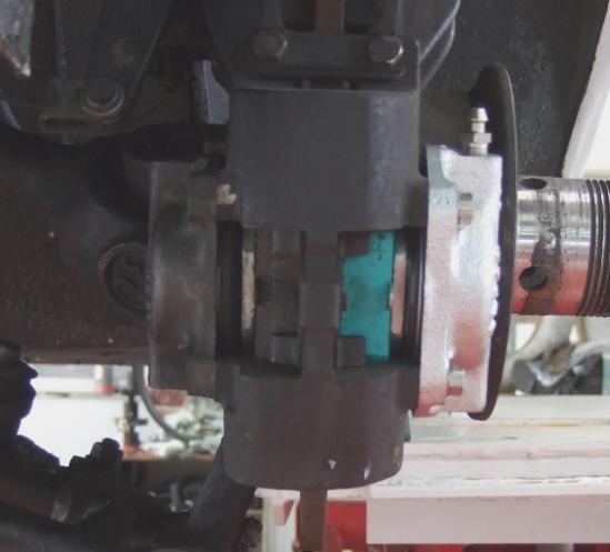 リヤキャリパーシリンダー2