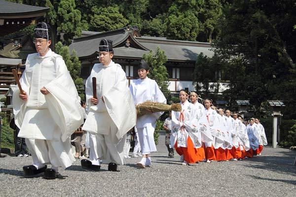 大神神社 茅の輪くぐり2