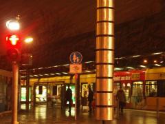 Ampelmann und Strassenbahn