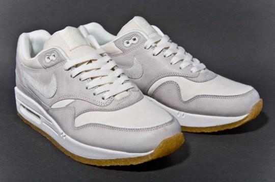 NIKE-AIR-MAX-1-PREMIUM-SAIL-GUM-sneaker-1-540x359.jpg