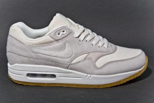 NIKE-AIR-MAX-1-PREMIUM-SAIL-GUM-sneaker-2-540x359.jpg