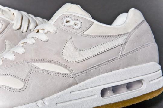 NIKE-AIR-MAX-1-PREMIUM-SAIL-GUM-sneaker-3-540x359.jpg