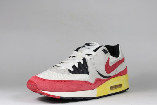 Nike-Air-Max-Light-VNTG-QS-3.jpeg