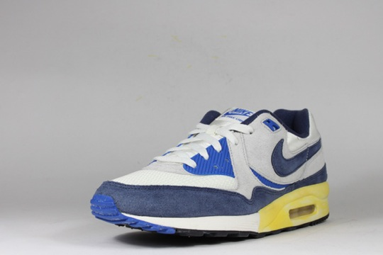 Nike-Air-Max-Light-VNTG-QS-7.jpeg