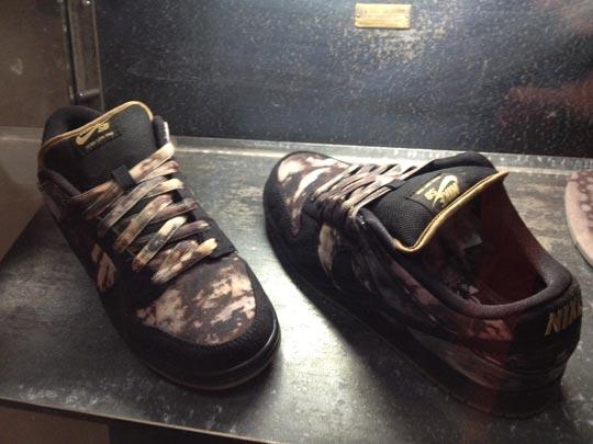 Pushead-x-Nike-SB-Dunk-Low-2012-01.jpg