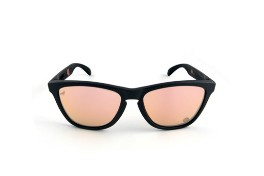 Staple-x-Oakley-Frogskins-Holbrook-Sunglasses-02.jpeg