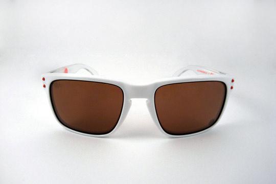 Staple-x-Oakley-Frogskins-Holbrook-Sunglasses-06.jpeg