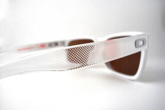 Staple-x-Oakley-Frogskins-Holbrook-Sunglasses-09.jpeg