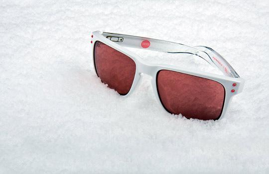 Staple-x-Oakley-Frogskins-Holbrook-Sunglasses-10.jpeg