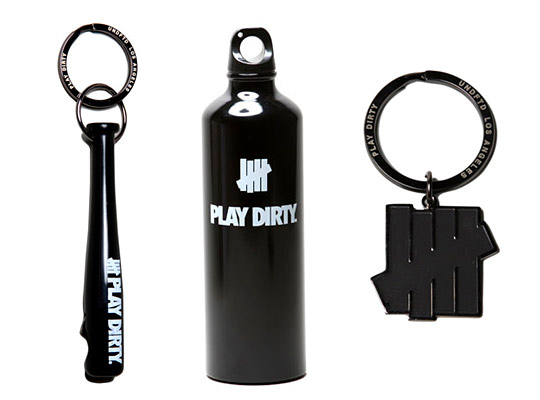 UNDFTD-Accessories-Key-Chains-Water-Bottle-01.jpeg
