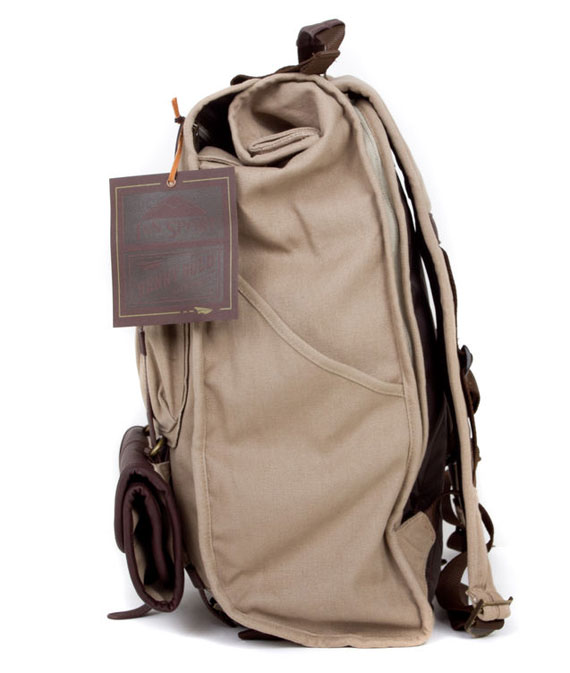 benny-gold-jansport-mission-park-pack-02.jpg