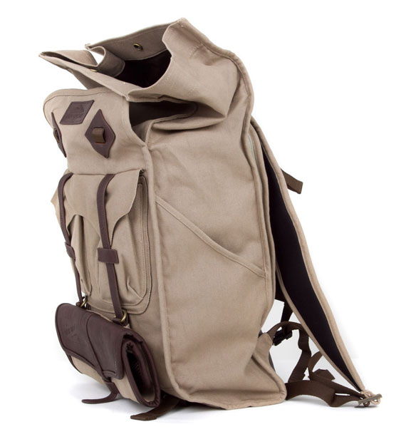 benny-gold-jansport-mission-park-pack-03.jpg