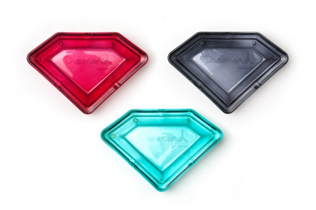 diamond-supply-co-glass-ashtrays-1-620x413.jpg