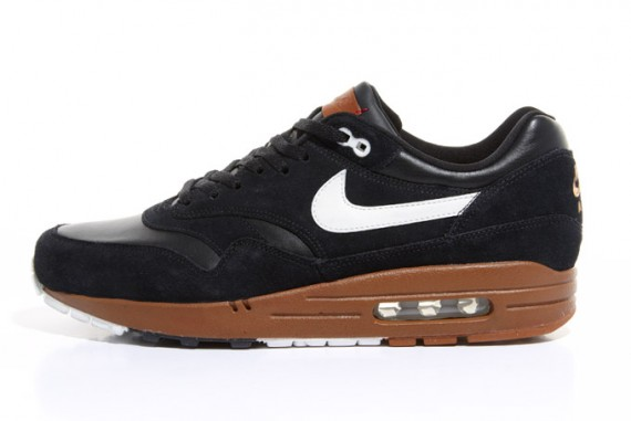nike-air-max-1-black-sail-hazelnut-1-570x381.jpg