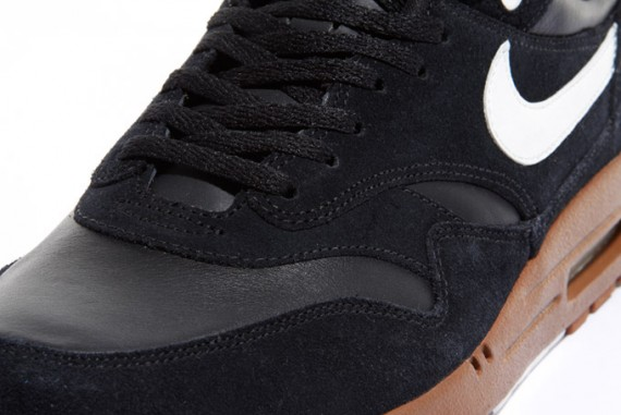 nike-air-max-1-black-sail-hazelnut-3-570x381.jpg