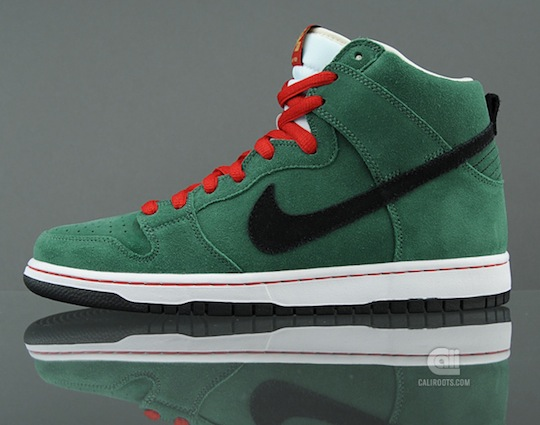 nike-sb-dunk-high-beer-bottle-pack-2.jpeg