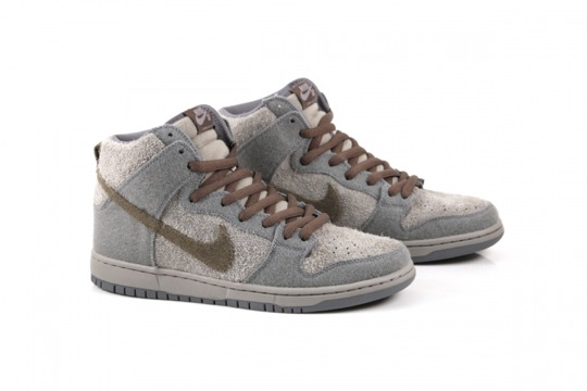 nike-sb-dunk-high-tauntaun-3.jpeg