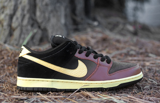 nike-sb-dunk-low-black-tan-0.jpg