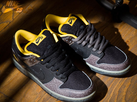 nike-sb-dunk-yellow-curb-sneakers-1.jpg