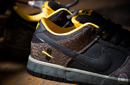 nike-sb-dunk-yellow-curb-sneakers-5.jpg