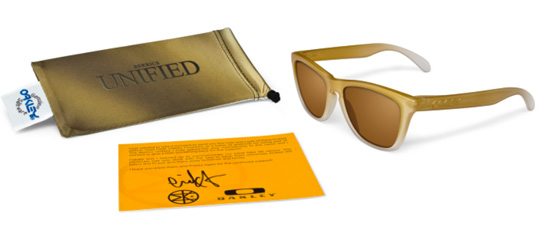 oakley-eric-koston-the-berrics-unified-frogskins-1.jpg