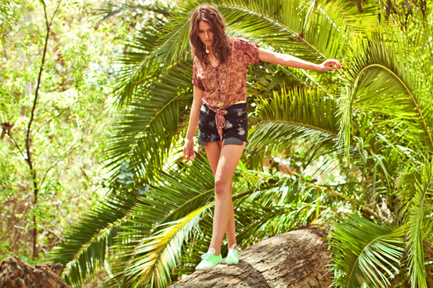 stussy-2012-summer-collection-lookbook-5.jpg