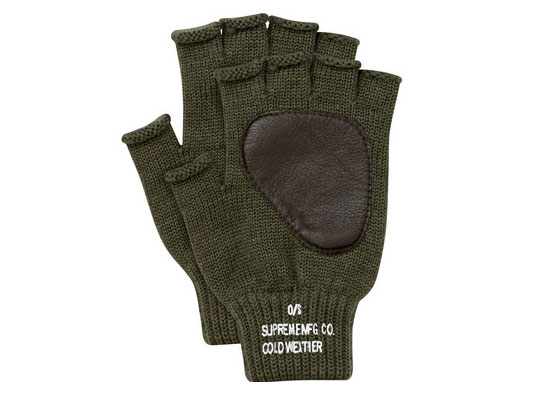 supreme-fingerless-gloves-4.jpg
