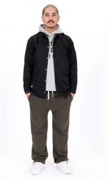 undefeated-fall-2010-collection-lookbook-5-325x540_convert_20100912095630.jpg