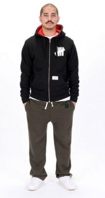 undefeated-fall-2010-collection-lookbook-7-286x540_convert_20100912095820.jpg