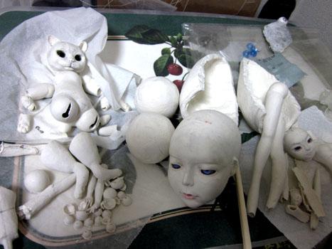 放置中の石粉粘土の人形たち