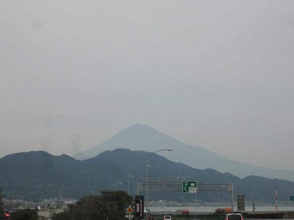 由比PAあたりから見えた富士山