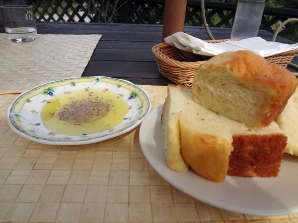 ジャガイモのパンとオリーブオイル&スパイス