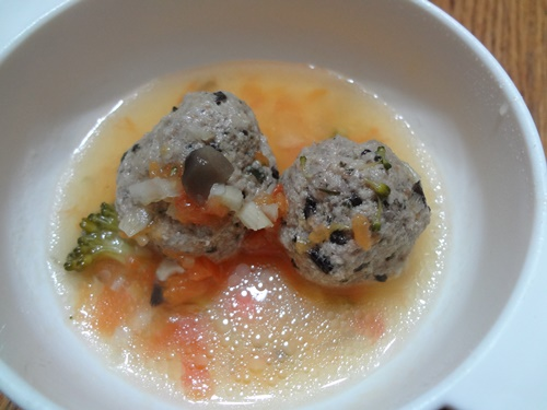 イワシ団子のトマトスープ煮