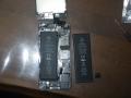 これから交換です。右が新品バッテリー