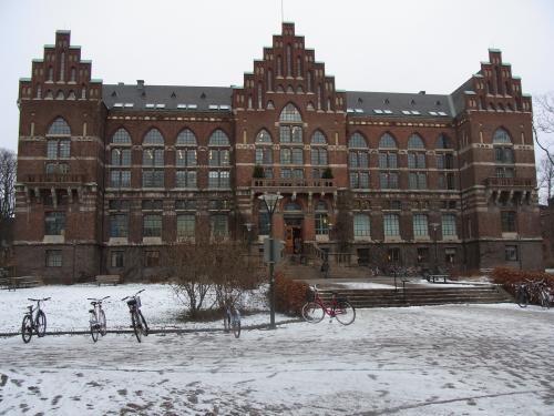 Snowybuilding