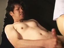 ゲイ動画:乳首も声もデカいモロ感リーマンの意外性 !!