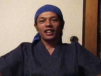 ゲイ動画:甚平姿のノンケサーファー旅館でガン掘り !!