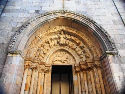 P8313412Iglesia de Santiago